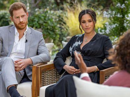 Los duques de Sussex, el príncipe Enrique y Meghan Markle, en la entrevista con Oprah Winfrey.
