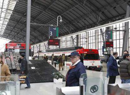 Entrada a la estación de Abando, donde se prevé la llegada a Bilbao del tren de alta velocidad.