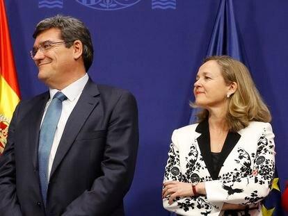 El ministro de Seguridad Social, José Luis Escrivá, y la vicepresidenta de Asuntos Económicos, Nadia Calviño.