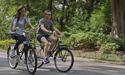 Mauricio Macri y Juliana Awada, durante un paseo en bici por Central Park de Nueva York el pasado mes de septiembre.