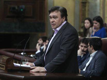 Tomás Guitarte, diputado de Teruel Existe, en el debate de investidura de Pedro Sánchez