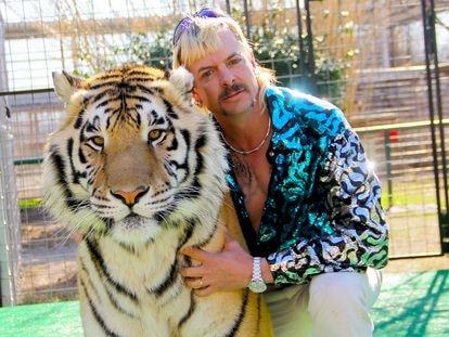 Joseph Allen Maldonado-Passage, también conocido como Joe Exotic, en un instante de 'Tiger King'.