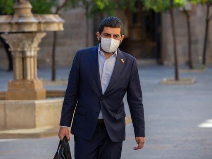 El conseller de Trabajo, Asuntos Sociales y Familias de la Generalitat, Chakir El Homrani, a su llegada al Palau den una imagen de archivo.
