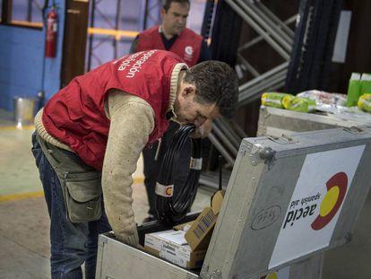 Envío de ayuda humanitaria de la Aecid a Ecuador.