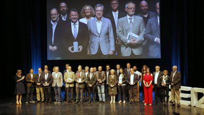 Los premiados por Radio San Sebastián en el escenario del Palacio Kursaal.