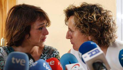 Juana Rivas y su asesora Francisca Granados, en julio de 2017.