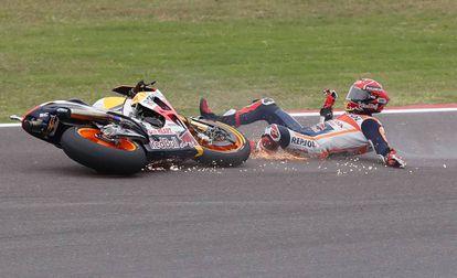 Caída de Marc Márquez en la carrera del GP de Argentina.