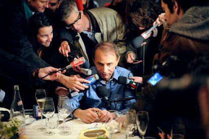 Michel Houellebecq, tras recibir en 2010 el Premio Goncourt por 'El mapa y el territorio'.