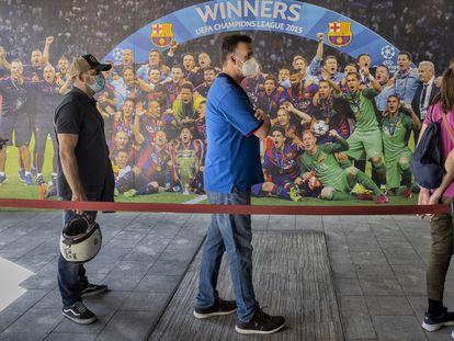 El Camp Nou, estadio del FC Barcelona, se ha convertido este jueves en un nuevo centro de vacunación masiva contra la covid.