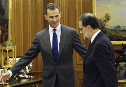 El Rey y Mariano Rajoy en la ronda de consultas de enero de 2016.