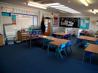 Los colegios del Reino Unido permanecieron cerrados durante la primera ola de la pandemia. En la foto, una escuela en Hertford, el 20 de marzo.