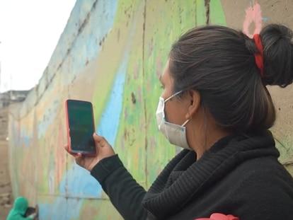 Un fotograma de 'La brecha digital en América Latina y el Caribe'.