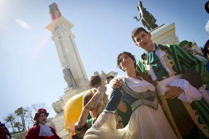 Imagen del espectáculo organizado hoy en Cádiz por Els Comediants