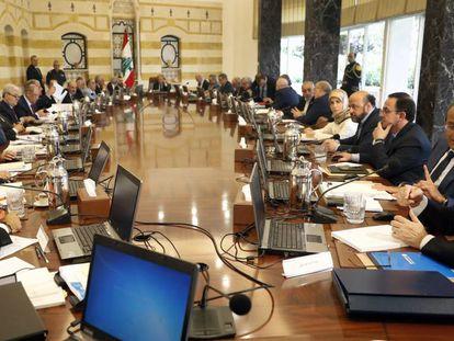 El Consejo de Ministros libanés, este miércoles en el palacio presidencial.
