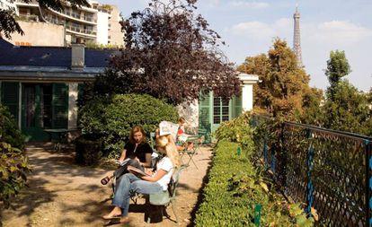 La casa de Honoré Balzac, con la torre Eiffel al fondo.