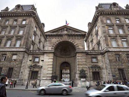 La prefectura de policía de París. En vídeo, la narración del suceso.