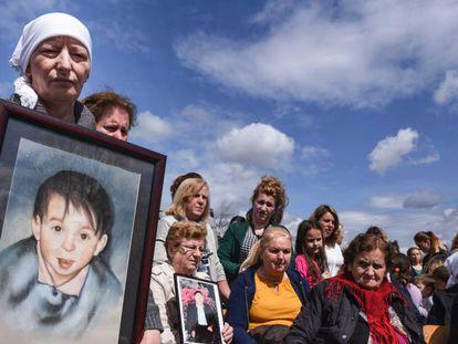 Las víctimas de la matanza de Rezalle, celebrado en Kosovo el pasado abril.