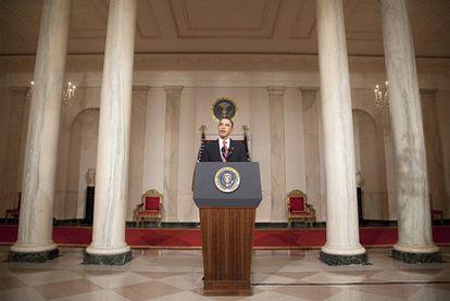 El presidente estadounidense, Barack Obama, durante su discurso anoche sobre la situación de Egipto tras anunciar Mubarak que no abandona el poder.