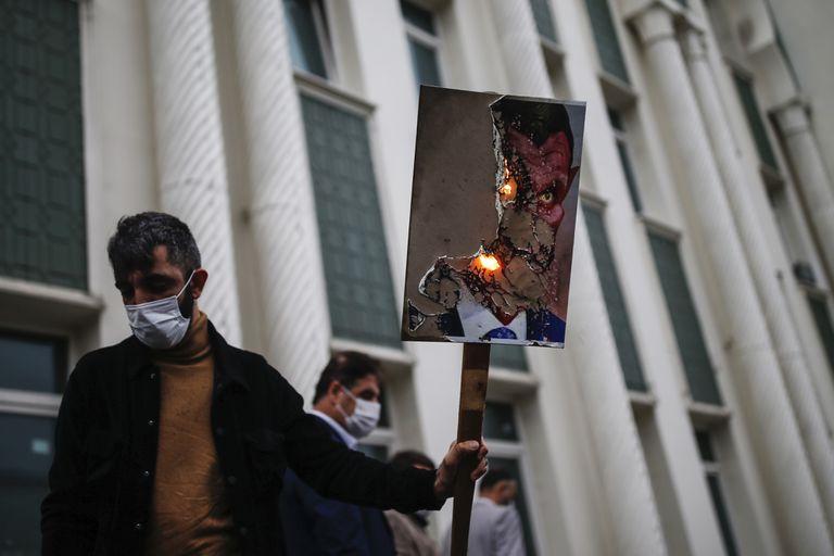 Protesta contra el presidente francés, Emmanuel Macron, el 30 octubre en Estambul (Turquía).