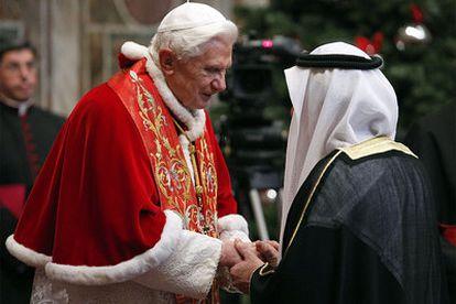 Benedicto XVI, durante su audiencia con los representantes del cuerpo diplomático acreditado ante la Santa Sede.
