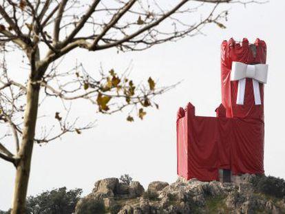 La torre de Lodones, envuelta para regalo.