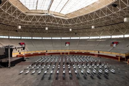 On Monday, the chairs and stage on the stage of the Moralzarzal bullring in the northwestern part of the Madrid community, the cultural event