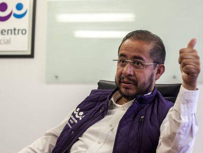 Hugo Eric Flores presidente del PES durante la entrevista