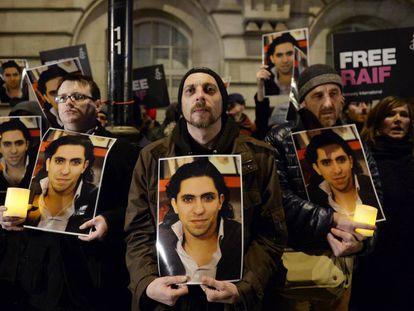 Manifestación en Londres contra la flagelación del bloguero saudí Raif Badawi, premio Sájarov de 2015.
