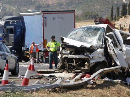 Accidente de una furgoneta en la A-3 a la altura de Buñol (Valencia).