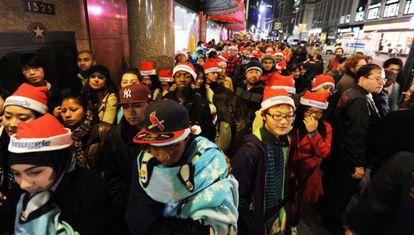 Colas en el 'Black Friday' de 2011 en los almacenes Macy's de nueva York
