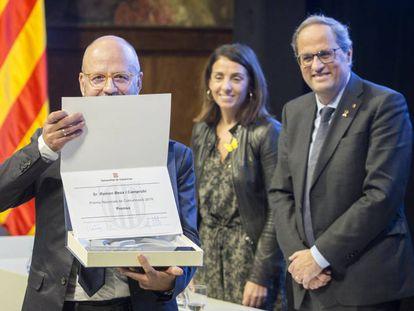 Ramon Besa recibe el Premio Nacional de Comuniación.