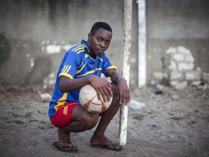 El equipo de fútbol creado por un educador del barrio pretende convertirse en una academia profesional.
