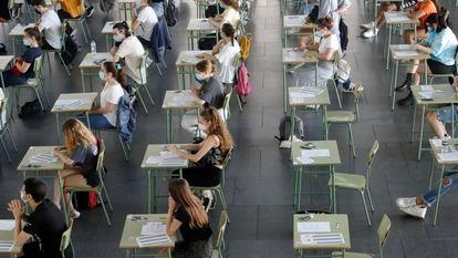 Examen de acceso a la universidad en Palma de Mallorca.