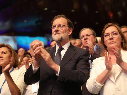María Dolores de Cospedal y Mariano Rajoy, en el 19 Congreso Nacional del Partido Popular.