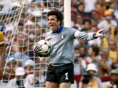 Dino Zoff en el partido de Italia contra Brasil del Mundial de 1982.