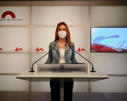 Jéssica Albiach, en rueda de prensa en el Parlament.