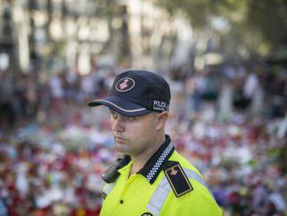 El guardia urbano, Sergi, estaba en la entrada de la Rambla cuando accedió el terrorista con la furgoneta