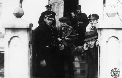 Miembros de la Policía Azul y Criminal polaca en 1943.