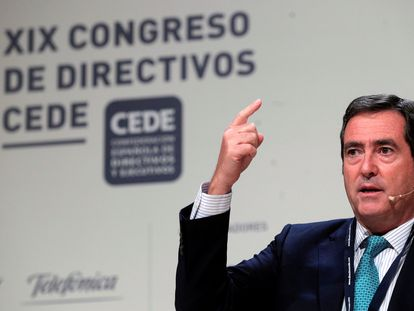 El presidente de la CEOE, Antonio Garamendi, durante su intervención en el congreso de directivos.