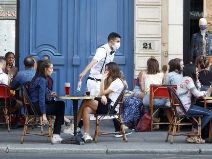 Una terraza de París.