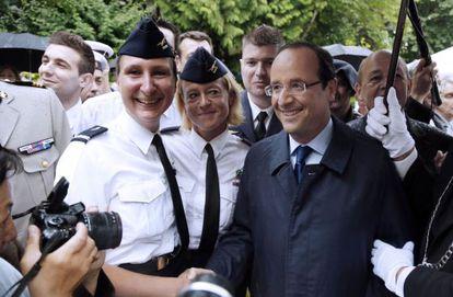 Hollande, durante una recepción este viernes en el Ministerio de Defensa.