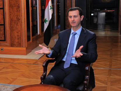 Bachar el Asad durante una entrevista reciente a AFP, en una imagen cedida por la presidencia siria.