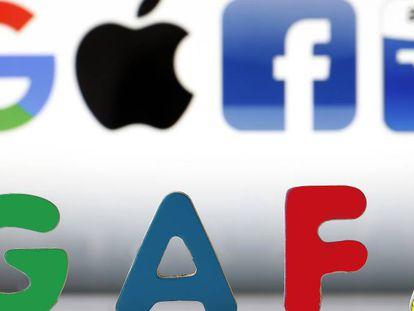 Logos de Google, Apple, Facebook y Amazon sobre el acrónimo GAFA.