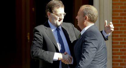 Mariano Rajoy recibe al presidente de Extremadura, José Antonio Monago.
