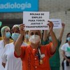 Dvd 1003 25/5/20Protesta de todos los sanitarios de hospitales públicos aglutinados en la creada Plataforma Sanitarios Necesarios. En la imagen, los profesionales del Hospital Gregorio Marañón. KIKE PARA.