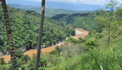Cuenca del río Térraba, que desemboca en el humedal Sierpe.
