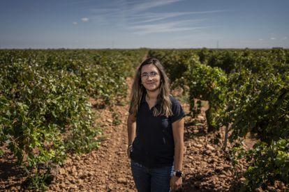 Cristina Monreal, agricultora de 23 años, en Tomelloso, Ciudad Real, Castilla la Mancha.