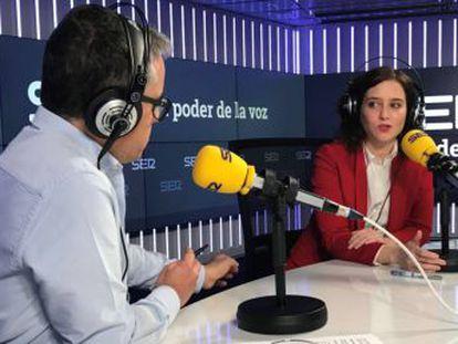 Ecologistas en Acción sostiene que más de 3.000 personas fallecen al año en Madrid por esta causa y tilda las declaraciones de la presidenta de  inmorales  y de  estupidez supina