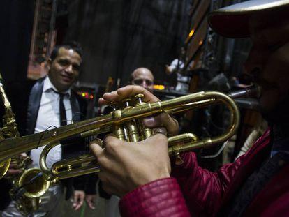 Actuación de la orquesta París de Noia en 2015.