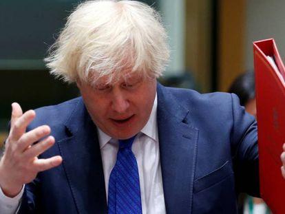 Boris Johnson attends, a su llegada a la reunión en Bruselas.